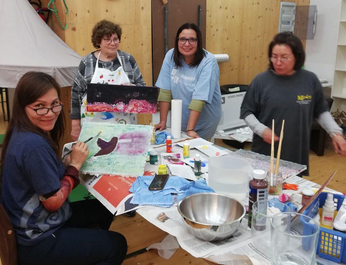 Mujeres clases de pintura